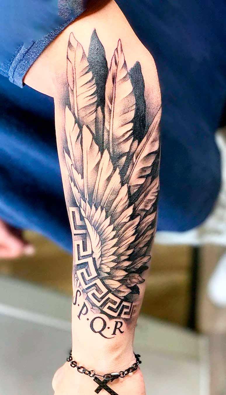 tatuagem-de-asa-no-antebraco