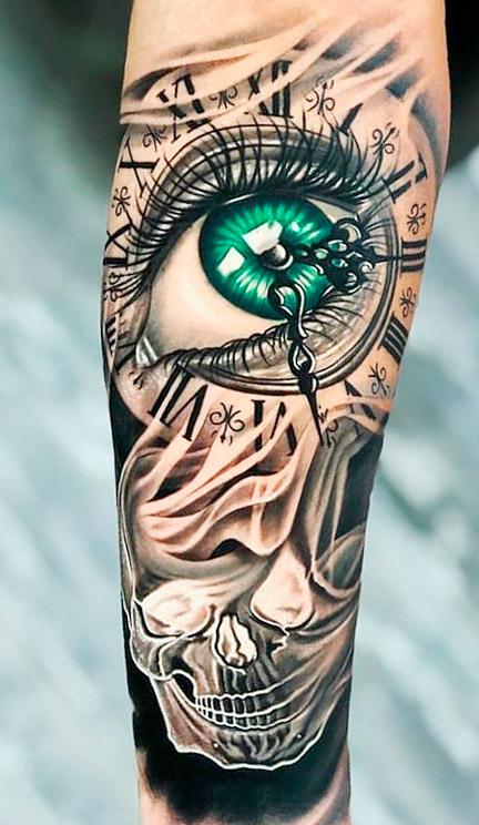 tatuagem-no-antebraco-masculino-de-olho-verde-e-relogio