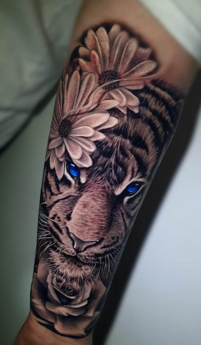 ideias-de-tatuagens-de-tigre-femininas-7