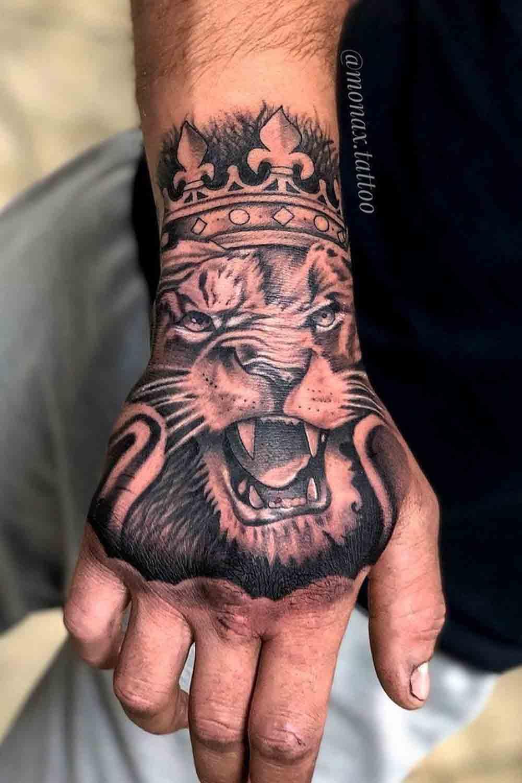 tatuagens-masculinas-nas-maos-11