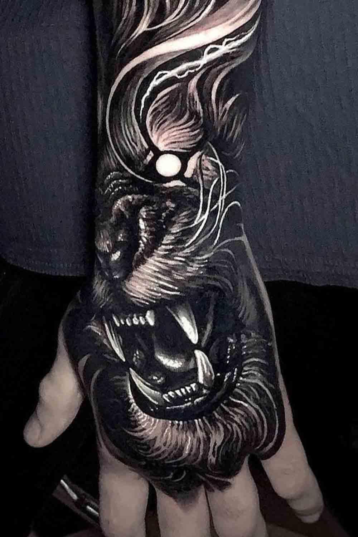tatuagens-masculinas-nas-maos-13