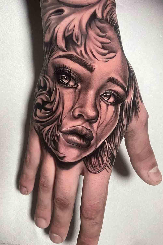 tatuagens-masculinas-nas-maos-25