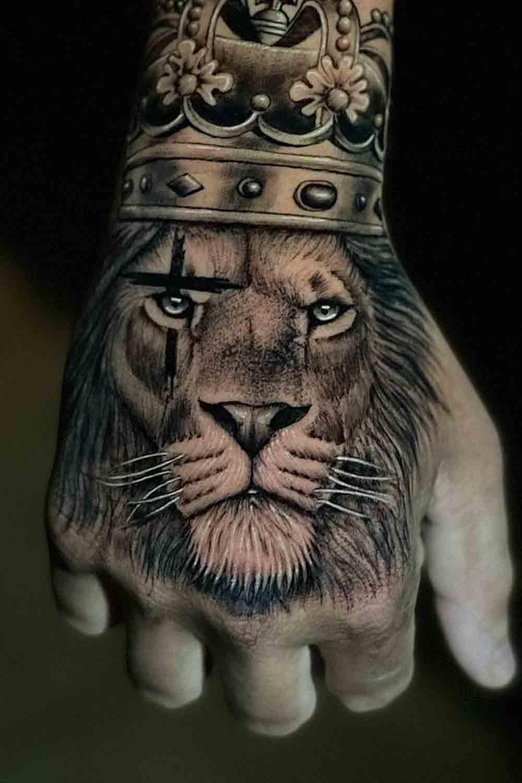 tatuagens-masculinas-nas-maos-9